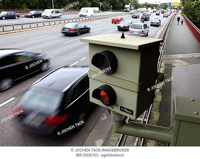 Radar controlled speed monitoring with a speed camera, on the federal road B223, Konrad-Adenauer-Allee, in a 60 kilometers per hour speed-limit zone, Oberhausen