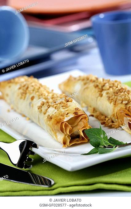 Bananas wrapped with brik pastry