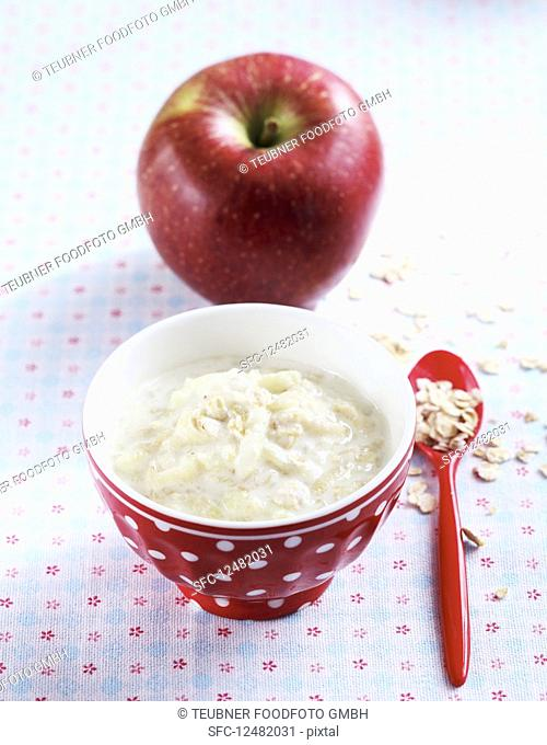 Baby food made with oats and apple