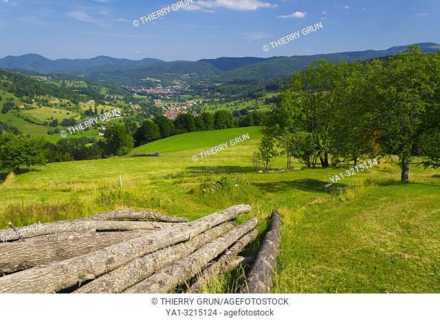 France, Haut-Rhin (68), Rional natural park of Ballons des Vosges, Munster valley, view from Soultzeren village
