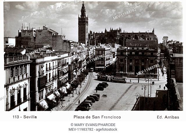 Plaza de San Francisco and the Giralda belltower in the middle distance, Seville, Spain