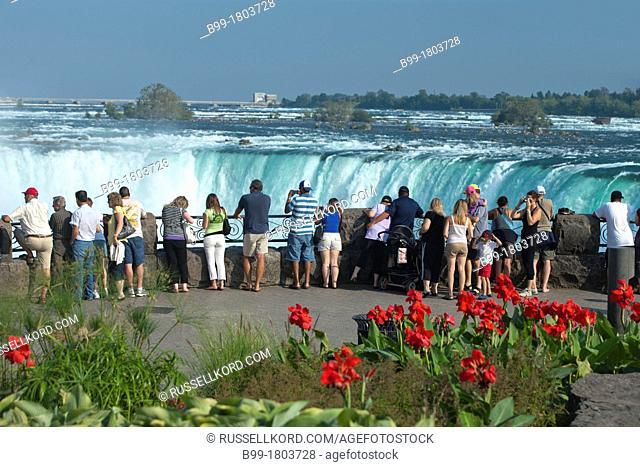 Tourists Niagara Waterfalls From Table Rock Ontario Canada