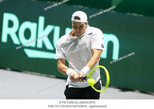 20 November 2019, Spain, Madrid: Tennis, Men: Davis Cup - Group stage, Group C, Individual, Struff (Germany) - Schwartzman (Argentina)
