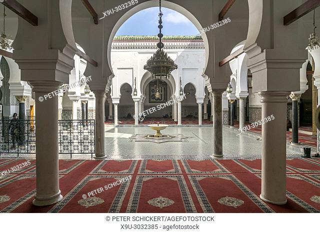 Kairaouine Mosque courtyard, Fes, Kingdom of Morocco, Africa
