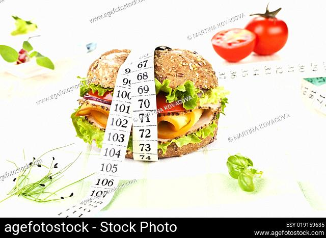 Sandwich with measuring tape