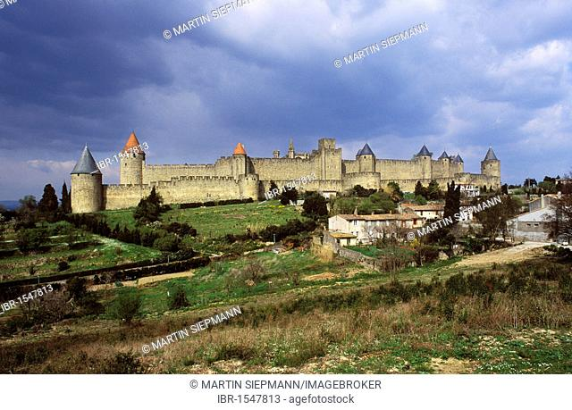 Walls of the Cité, Carcassonne, Languedoc-Roussillon, France, Europe