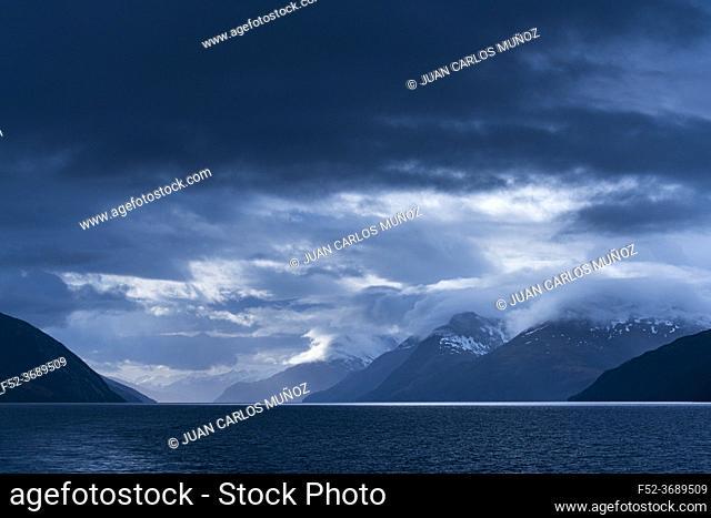 Darwin Mountain Range, Beagle Channel, Tierra del Fuego Archipelago, Magallanes and Chilean Antarctica Region, Chile, South America, America