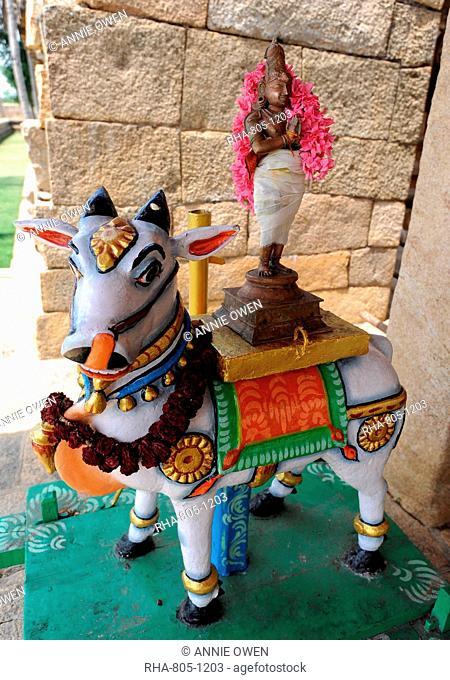 Nandi bull dressed with deity for temple ceremony, Gangaikonda Cholapuram temple to Shiva, Ariyalur district, Tamil Nadu, India, Asia