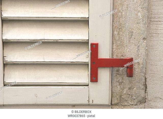 closed window shutter