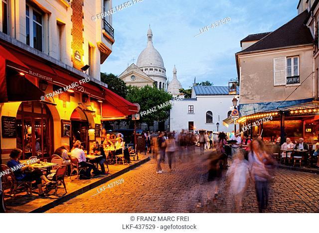 Place du Tertre and Sacre Coeur basilica, Montmartre, Paris, France