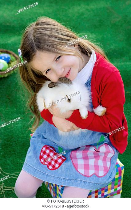 little girl with easter rabbit - , 05/02/2015