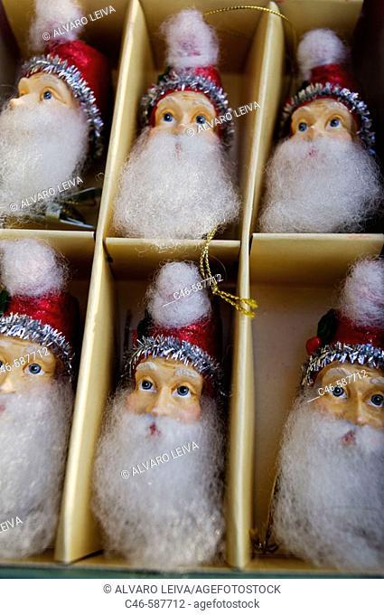 Santa Claus for christmas trees, Los Angeles, California, USA