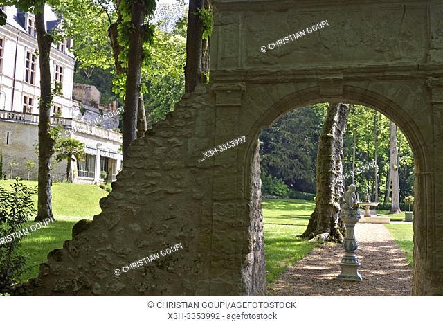 Arche aux Dauphins, Domaine royal de Chateau-Gaillard a Amboise, Touraine, departement Indre-et-Loire, region Centre-Val de Loire, France