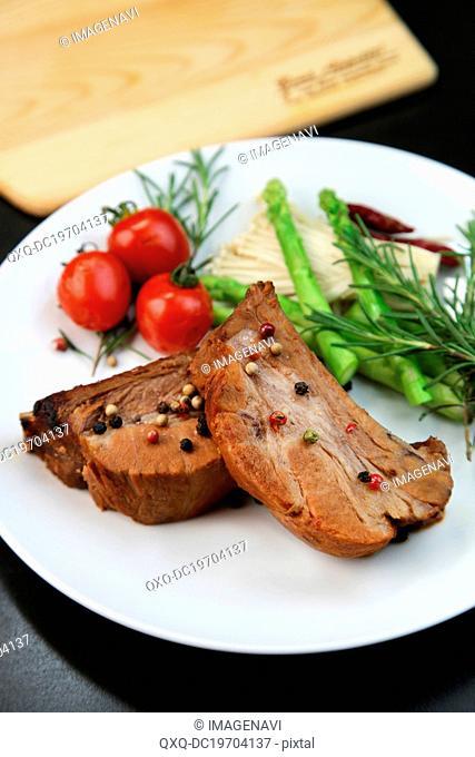 Rib roast steak