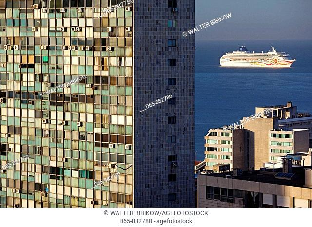 Cruiseship and Edificio de la Ciudadela building, Montevideo, Uruguay