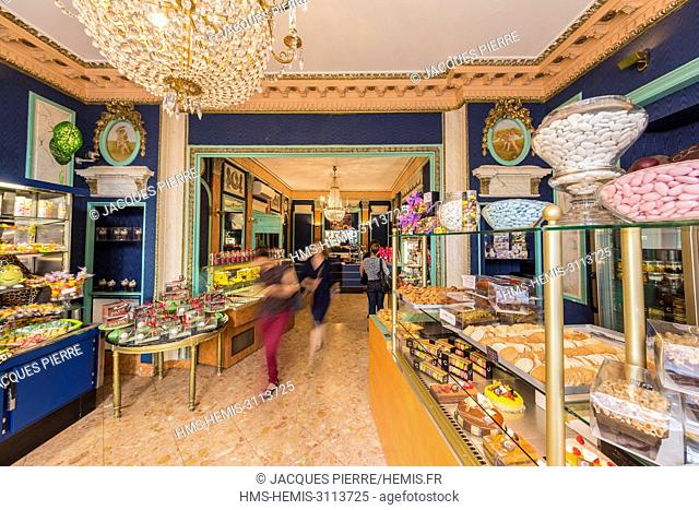 France, Puy de Dome, Clermont Ferrand, the old town, craftsman confectioner patisserier chocolate maker La Ruche Trianon