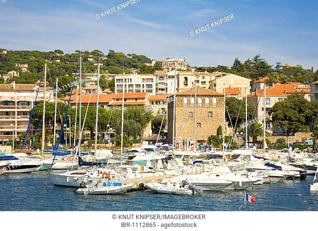 Boats in the Sainte-Maxime marina, Département Var, at the Cote d'Azur, Provence, Southern France, France