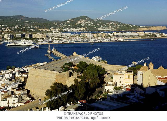 View on the port of Ibiza from Dalt Vila (oldtown), Ibiza city, Ibiza, Spain / Blick auf den Hafen von Ibiza von Dalt Vila (Altstadt), Ibiza-Stadt, Ibiza