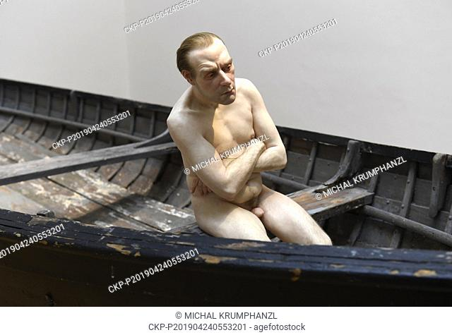 A work by Ron Mueck is presented within the exhibition A Cool Breeeze exposing new possibilities of spatial depiction of a figure in contemporary art in Galerie...