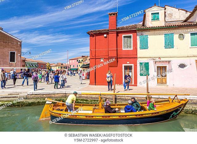 Boat with tourist at Rio di Terranova, Burano, Veneto, Italy, Europe