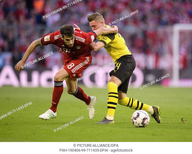06 April 2019, Bavaria, München: Soccer: Bundesliga, Bayern Munich - Borussia Dortmund, 28th matchday in the Allianz Arena