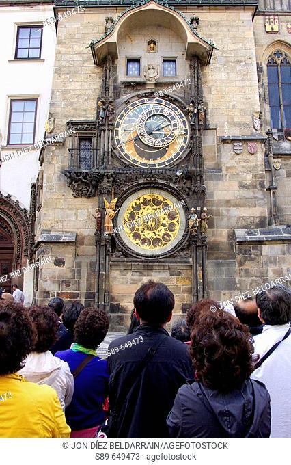 Astronomical clock. Old Town Hall. Prague. Czech Republic / La Torre con el reloj astronómico forma parte del Ayuntamiento de la Ciudad