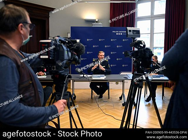 05 September 2020, Saxony, Leipzig: Torsten Schultze, police commissioner, informs at a press conference of the Leipzig police headquarters about the operations...