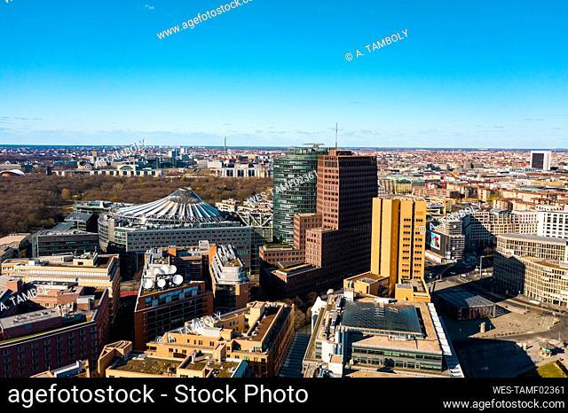 Germany, Berlin, Aerial view of office buildings in¶ÿPotsdamer Platz