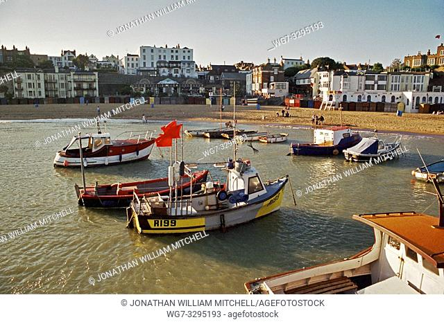 UK Broadstairs -- 09/2002 -- Boats moored in the harbour -- Picture © Jon Mitchell / Lightroom Photos