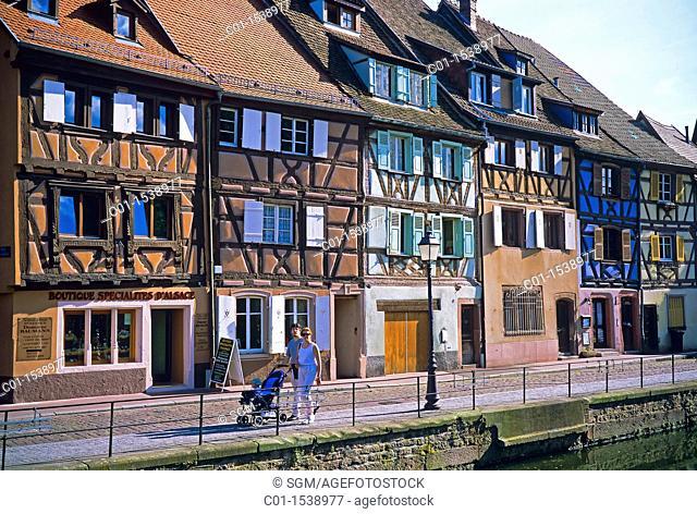 Half-timbered fishermen houses, 'Quai de la Poissonnerie, quay in tanner's district, Colmar, Alsace, France