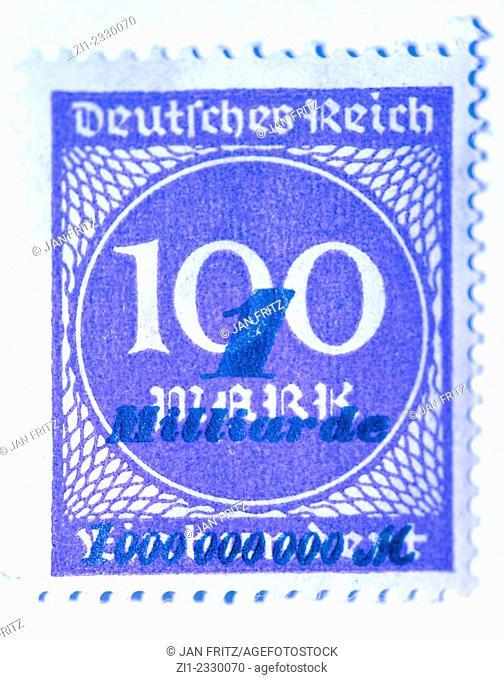 german inflation stamp of 1 billion mark