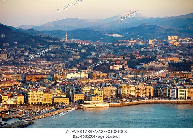 La Concha Bay, View from Mount Igeldo, Donostia, San Sebastian, Gipuzkoa, Basque Country, Spain