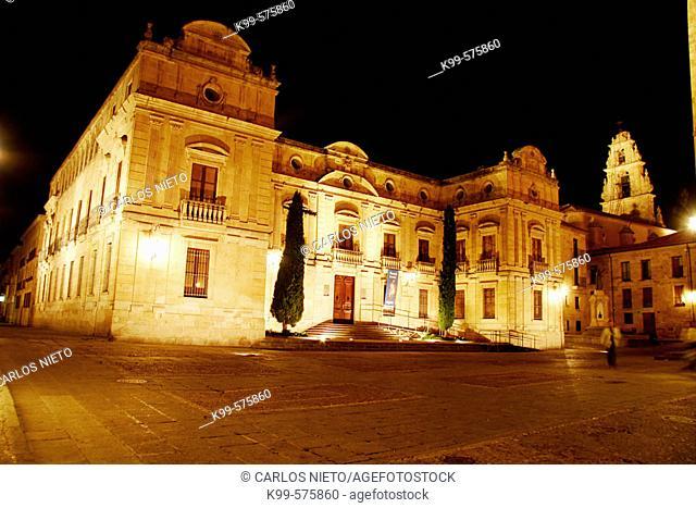 Night view of Episcopal Palace, Salamanca. Castilla-León, Spain