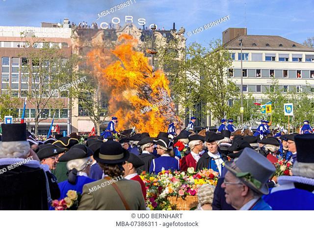 Burning stake and guild members, Spring Festival 'Sechseläuten', Sechseläutenplatz, Zurich, Canton of Zurich, Switzerland