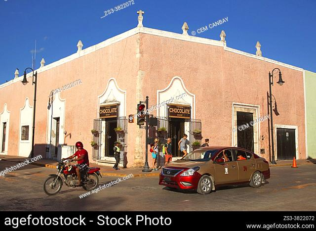 Tourists in front of the colonial buildings in the historic center, Valladolid, Yucatan Province, Mexico, Central America