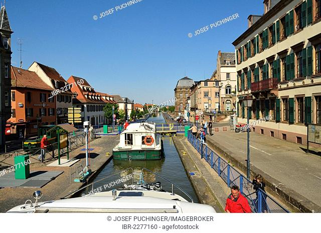 Lock, approaching the city by boat, Marne–Rhine Canal, Saverne, Alsace, France, Europe