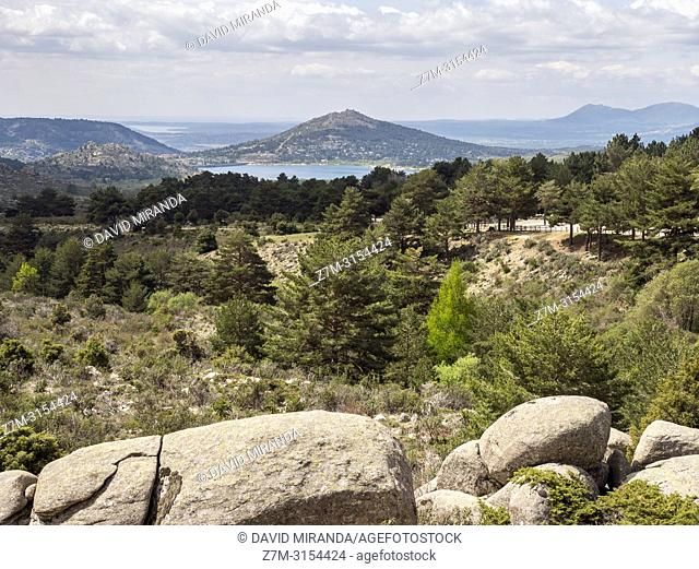 """Vistas desde el Valle de la Barranca en la Sierra de Guadarrama y dentro del """"""""Parque regional de la cuenca alta del Manzanares"""""""" (reserva de la Biosfera por la..."""