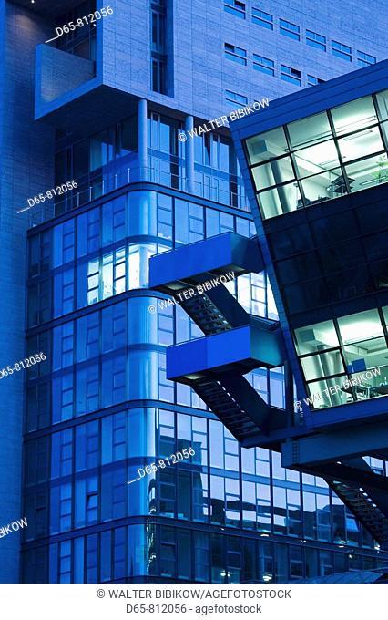 Germany, Nordrhein-Westfalen, Dusseldorf, Medienhafen, architecture