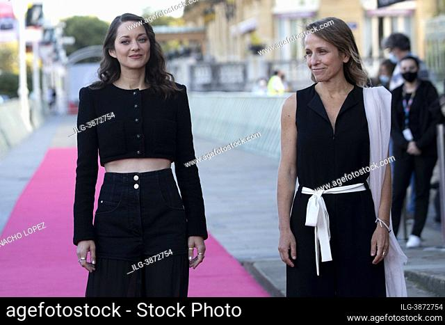 "Marion Cotillard attends to """"Bigger Than Us"""" premiere during the 69th San Sebastian International Film Festival at Victoria Eugenia September 18"