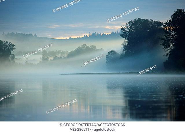 Willamette River mist, Willamette River Greenway, Oregon