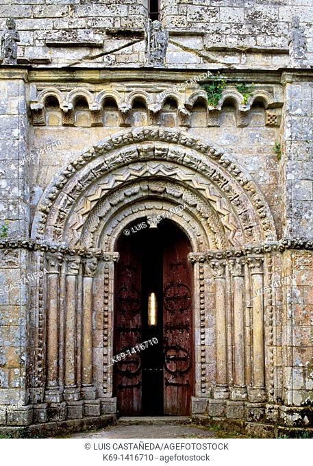 Romanesque Church of El Salvador XII Century  Probable origins as a convent for women which gives its name Donas Women  In 11854 the Arias de Monerroso Family...