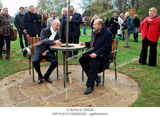 The bench of dissident turned president Vaclav Havel (1936-2011), designed by architect and his friend Borek Sipek, was unveiled in the Oxford University
