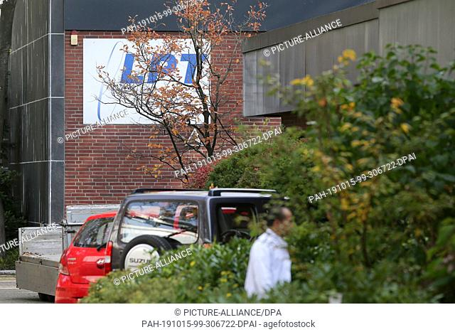 15 October 2019, Hamburg: View of the LPT company premises in Hamburg-Neugraben. Following indications of serious animal welfare violations