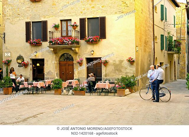 Pienza, Piazza di Spagna, Val d'Orcia, Orcia Valley, UNESCO world heritage site , Siena Province, Tuscany, Italy