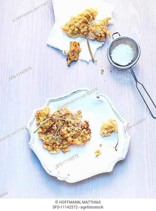 Fried elderflowers with icing sugar