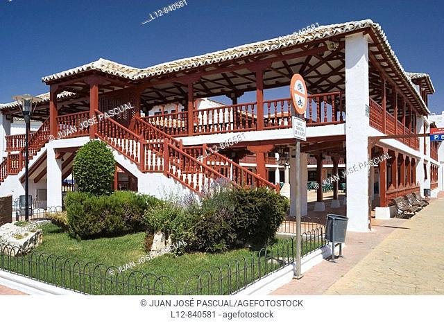 Plaza porticada Puerto Lápice, provincia de Ciudad Real, Castilla la Mancha, Spain