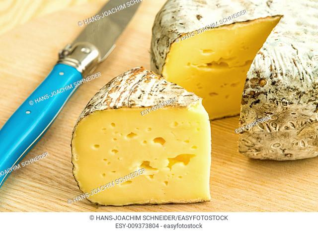 Tomette des Alpes, cheese of France