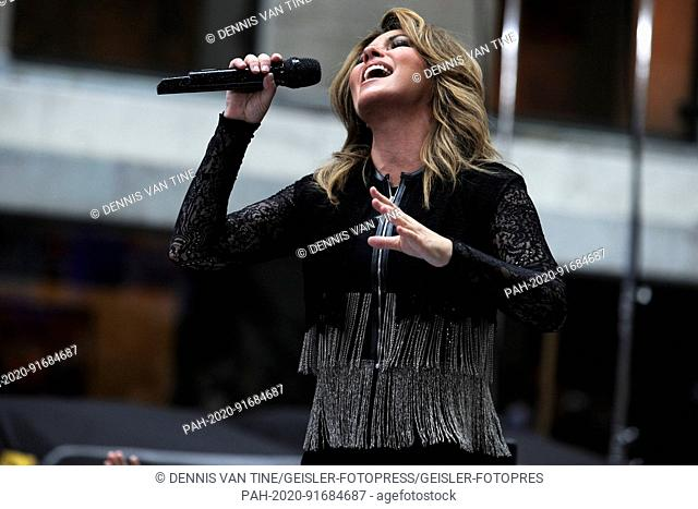 Today Show Concert Series 2020.Shania Twain Appearance Stock Photos And Images Age Fotostock