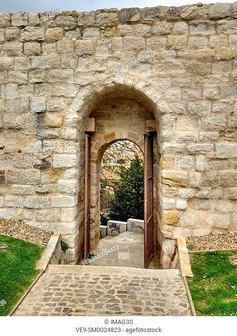 'Portillo de la traición' door in city walls of Zamora, Spain