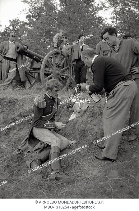 Mel Ferrer during filming of King Vidor's 'War and Peace'. A particular behind the scenes during filming of King Vidor's 'War and Peace': American actor Mel...